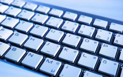 Écriture à l'ordinateur et logiciels de correction